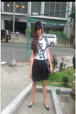 white shirt - black shirt - black hat - black bag - dark gray flats