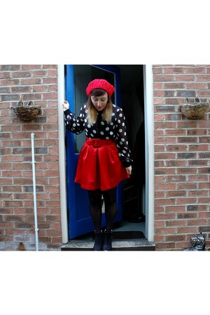 red beanie Primark hat - black ankle boots Topshop boots