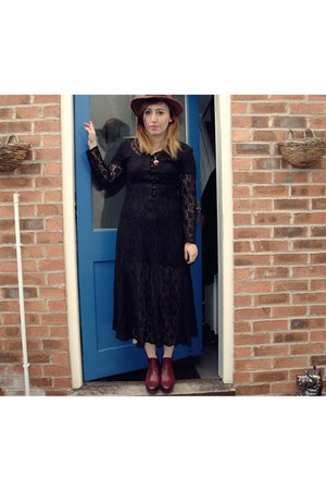 Twitch Vintage dress - allegra red Topshop boots - fedora new look hat