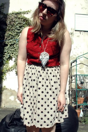 silver dream catcher Topshop necklace - ruby red embroided vintage blouse