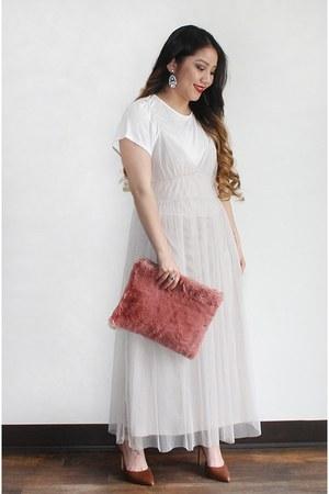 white Lauren Conrad dress - pink clutch DIY purse