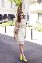 light yellow sangallo H&M skirt - pink studded leather Paula Cademartori bag