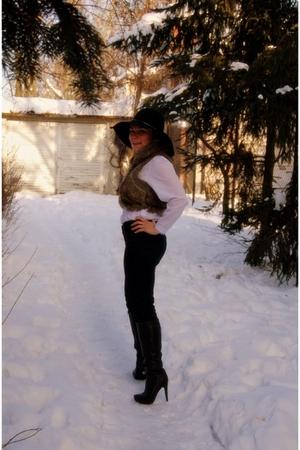 black H&M hat - white no name blouse - Zara pants - black no name shoes