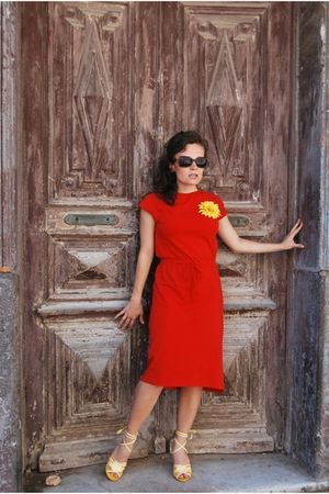 red united colors of benetton dress - yellow H&M shoes - yellow H&M accessories