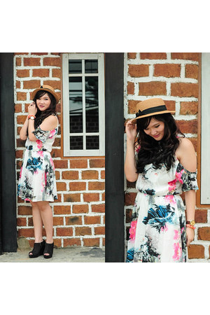 dark gray Vincci boots - white Zalora dress - burnt orange Flamoushid hat