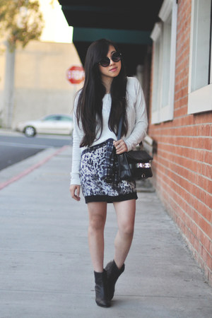 gray 31 Phillip Lim skirt - black PROENZA SCHOULER bag