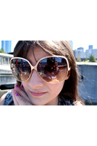 sunglasses - vest