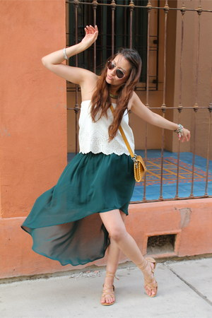 tan Nine West sandals - mustard BDG purse