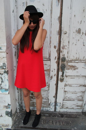 red Isaac Mizrahi for Target dress - black Zara boots