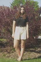 vintage t-shirt - vintage shorts - old shoes - vitnage belt