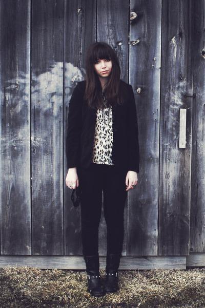 black Aldo boots - beige leopard print thrifted blouse