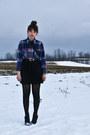 Navy-thrifted-shirt-black-suzy-shier-skirt