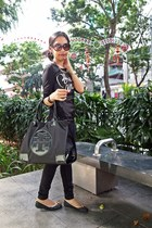 black Mango jeans - black canvas tote tory burch bag - tawny Super sunglasses