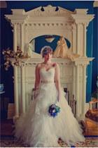 ivory tulle Alita Graham for Kleinfeld dress - white lace vintage gloves