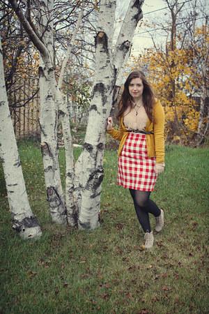 checkered Oscar de la Renta skirt - wedge new look boots