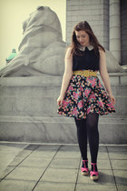 bubble gum floral print thrifted skirt - black American Apparel tights