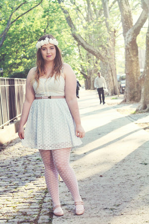 white polka dot HUE tights - light blue H&M dress