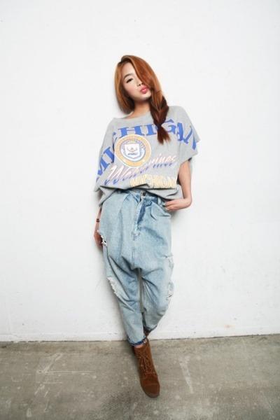 light brown heaven boots - ivory Style Nanda top - sky blue Style Nanda pants