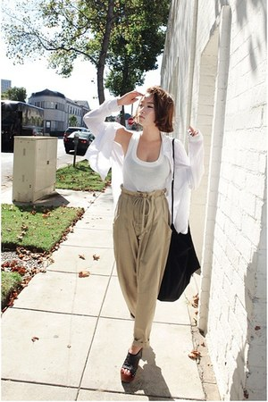 dark khaki Nanda pants - white giordano shirt