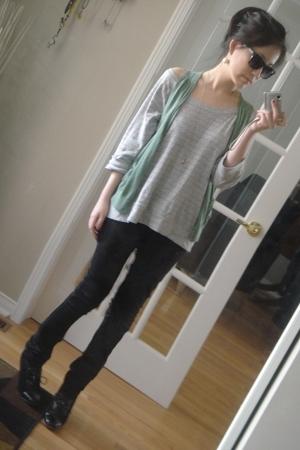 Gap shirt - vintage vest - H&M pants - vintage shoes - H&M necklace - H&M earrin