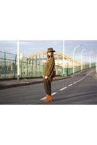 Zara boots - Printemps hat - hm sweater - hm pants - Forever 21 necklace