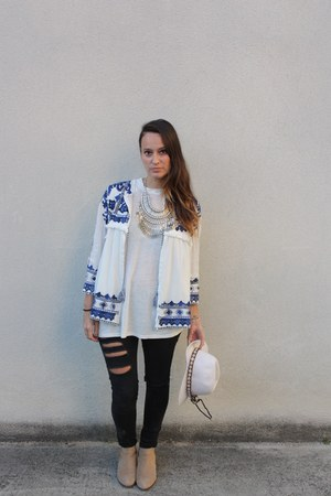 Zara jacket - pull&bear boots - Bershka jeans - H&M hat - hellohope necklace
