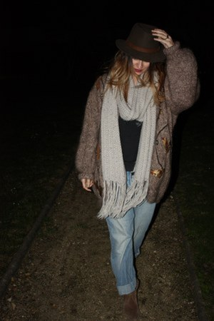 thrifted vintage cardigan - pull&amp;bear boots - H&amp;M jeans - flchet hat