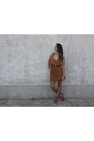 H&M skirt - vintage bag - Zara heels - H&M top - Forever 21 necklace