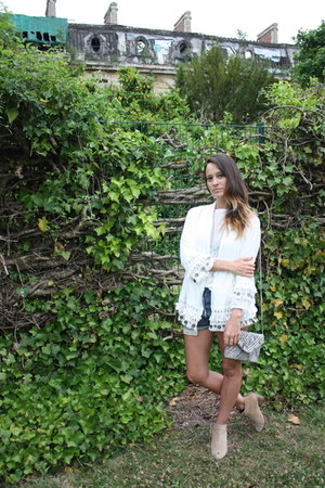 pull&bear boots - prettywire blazer - new look bag - Levis shorts