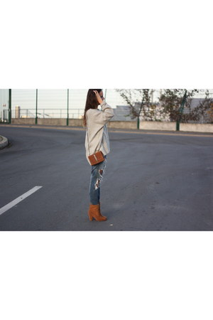 Zara bag - zar jeans - hm sweater - Zara heels - Forever 21 necklace