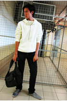 ae40bc8fa5 Armani Exchange sweater - Zara pants - Topman shoes - Esprit accessories