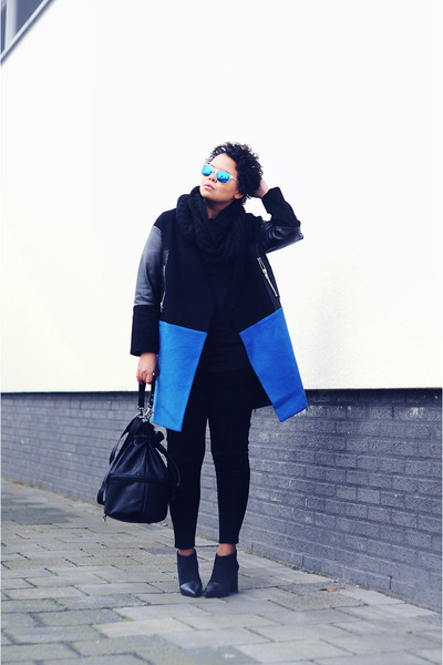 blue Front Row Shop coat - black see by chlo boots - black H&amp;M bag