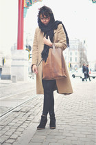camel vintage coat - black Mango leggings - brown ramon middelkoop my paper bag