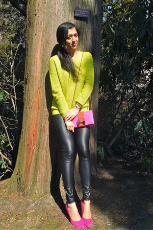 hot pink Call it Spring pumps - lime green Forever 21 sweater