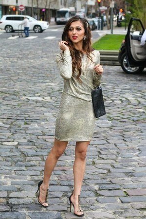 gold Lulus dress