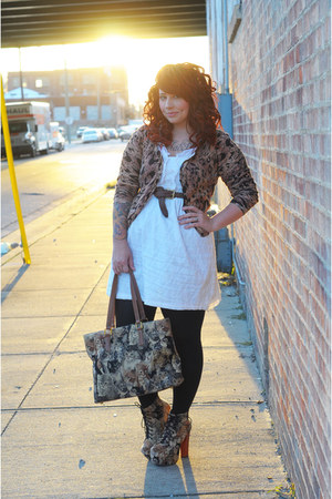 light brown cat print tote Ebay bag - light brown Jeffrey Campbell shoes