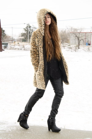 zoe boots sam edelman boots - Zara jacket - faux leather Urban Outfitters pants