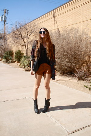 paisley vintage blazer - calvin klein boots - lace up leather Forever 21 shorts