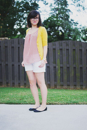 pink polka dots evermicrush top - white Old Navy shorts