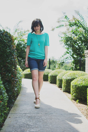 gold Forever 21 necklace - turquoise blue Ruche shirt - navy Gap shorts