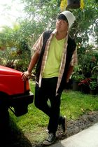 black Guess vest - brown Oneil shirt - green on the byas t-shirt - white hat - S