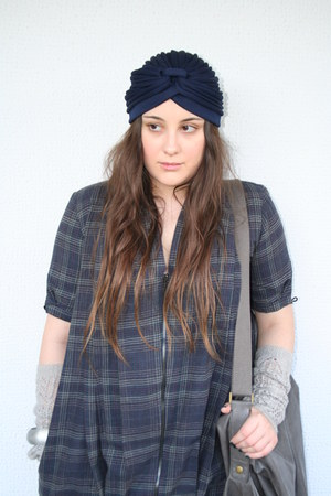 navy Badila dress - charcoal gray benetton boots - navy Turban - charcoal gray b