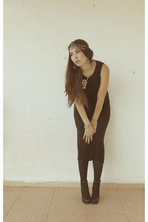 handmade accessories - black H&M dress