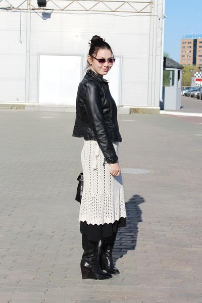 black vintage dress - ivory vintage dress - black costumenational shoes