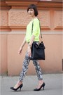 Black-bag-yellow-reserved-blouse-white-h-m-pants-black-heels