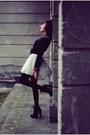 Neutral-diy-skirt-black-blouse