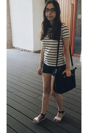 Stradivarius bag - Bershka shorts - Bata sandals - reserved t-shirt