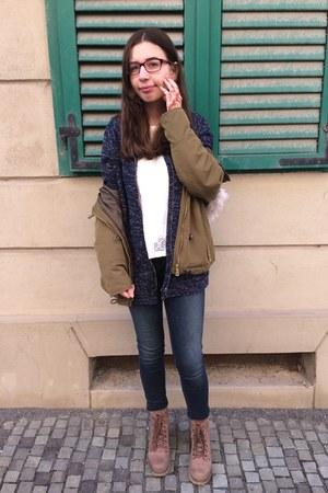 Guess jeans - Zara jacket - Zara cardigan - Zara t-shirt