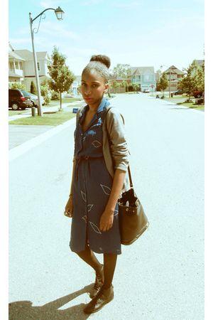 gray H&M cardigan - blue vintage dress - black thrifted bag