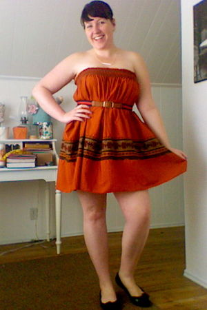 orange thrifted dress - blue thrifted belt - black franco sarto shoes